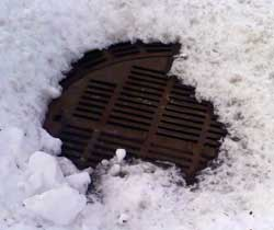 Non Ice Covered Utility Hole Cover
